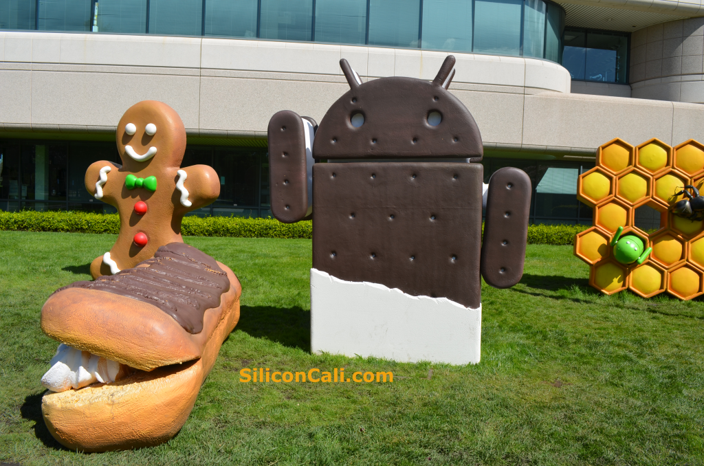 Google-Ice-Cream-Sandwich-Eclair-Gingerbread-Honeycomb-Statues_SC