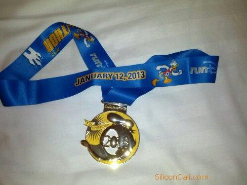 walt-disney-world-2013-half-marathon-finisher-medal_sc