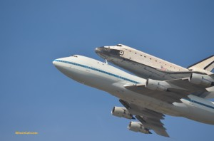 Shuttle-Endeavour-over-Moffett-Field-020120921