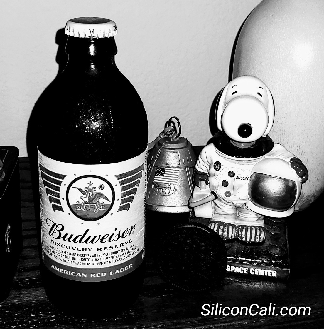 Budweiser_Discovery_Reserve_Snoopy_on_the_Moon_50th