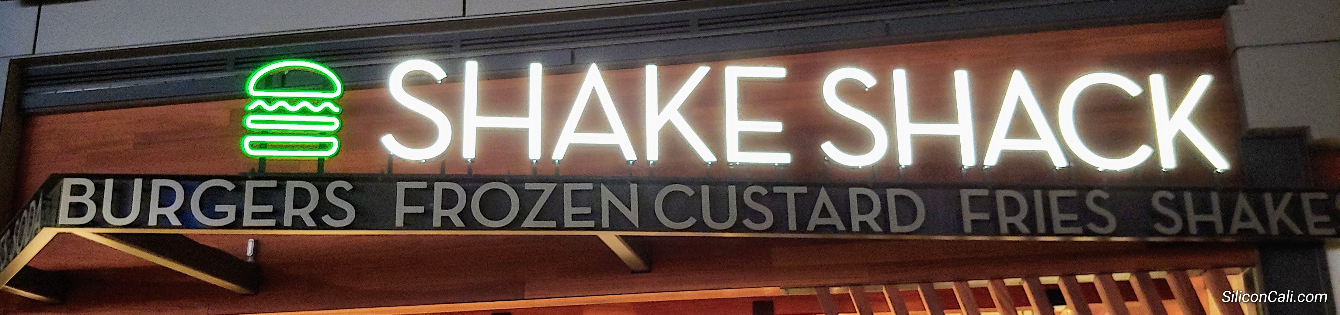 Shake_Shack_San_Mateo_sign_SiliconCali